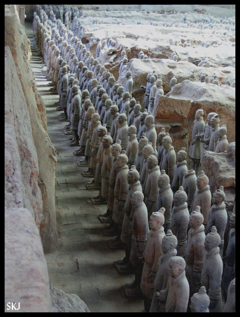 Front line of the Qin terra cotta warrior army outside Xian, China.